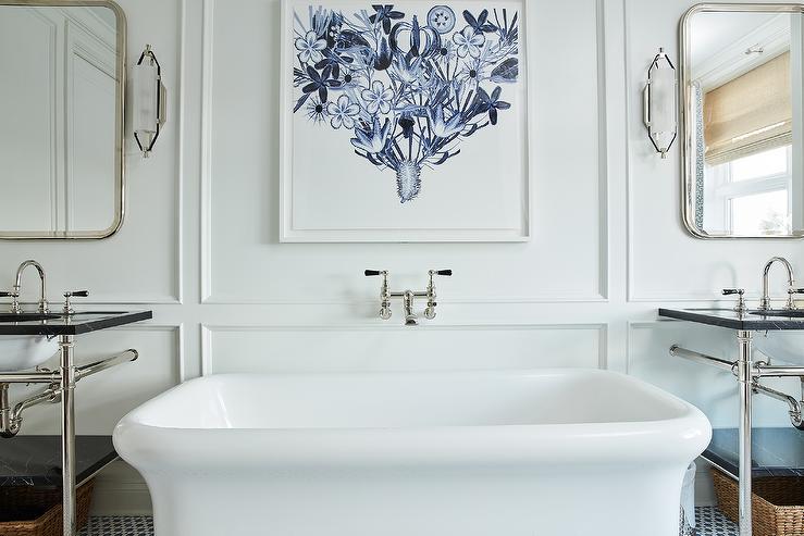 salle de bain avec tableau art